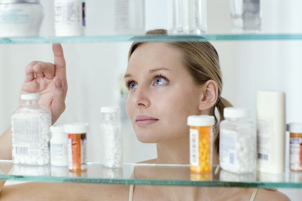 """Результат пошуку зображень за запитом """"выбор лекарства в аптеке"""""""