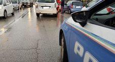 Incidente sulla statale Auto si schianta contro un palo della luce