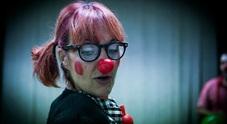 Antonella Baldinelli, la clown terapeuta: «Col naso rosso sono la dottoresa Cuore»