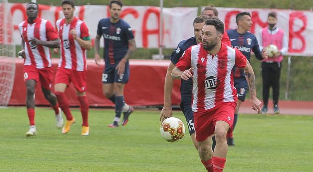 Federico Moretti del Matelica durate la prima partita dei playoff contro la Samb
