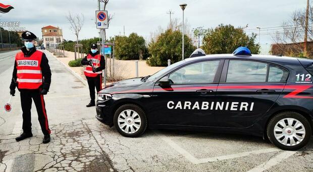 Controlli dei carabinieri di Falconara