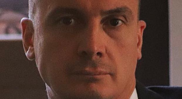 Rocco Casalino malore a Verissimo: «Possiamo interrompere l'intervista?». Poi si scioglie in lacrime. Toffanin reagisce così