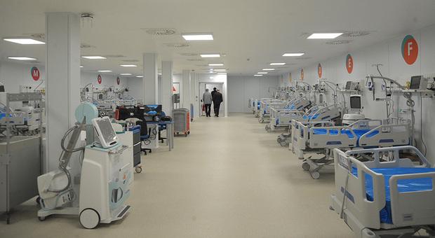 Covid hospital, si parte subito con 28 posti letto. Piano per il personale: ecco come sarà organizzato