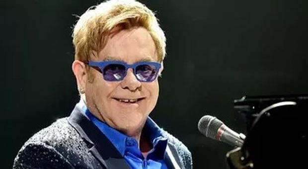 Apple Music, Elton John festeggia 300 episodi di «Rocket Hour», programma radiofonico in onda da 6 anni