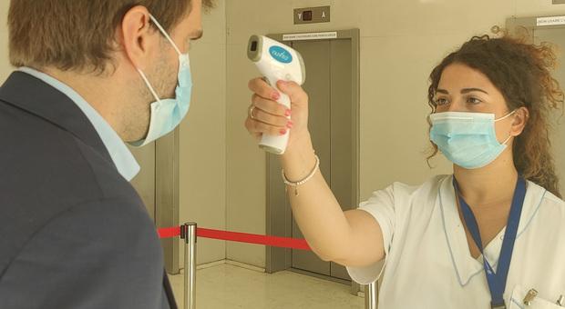 Green Pass permette di fare visita ai parenti in ospedale: cosa prevede il decreto