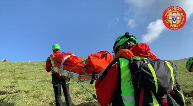 Sibillini, non solo turismo. Allerta sicurezza dopo il giovane morto sul Pizzo Berro: «Occhio ai pericoli della montagna»