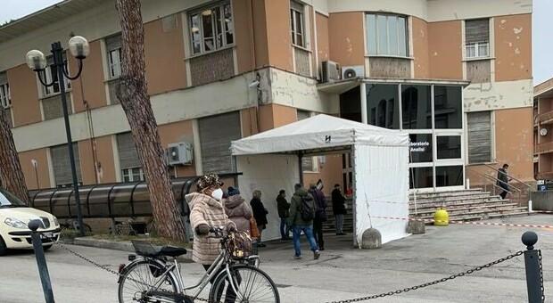Il Laboratorio analisi sotto esame: controllo a sorpresa dei carabinieri del Nas