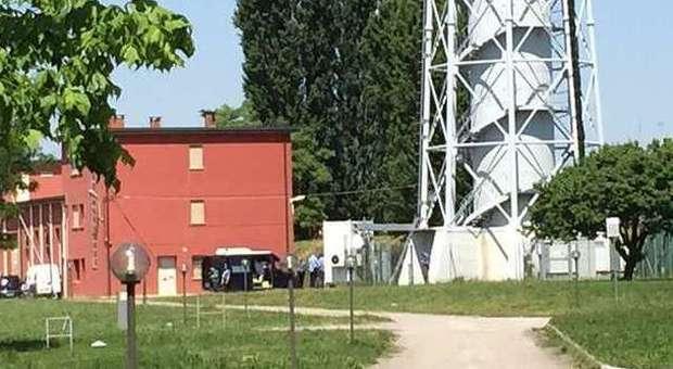 Scomparso da casa sedicenne suicida ai piedi di un acquedotto for Casa di 10000 piedi quadrati