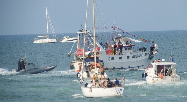 Un momento della processione della Madonna della Marina