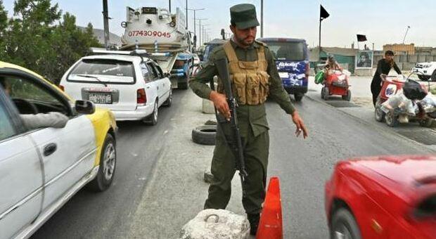 Afghanistan, gli italiani lasciano Kabul: dalle 21.30 locali ponte aereo per i rimpatri