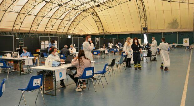 Un centro di vaccinazione nelle Marche