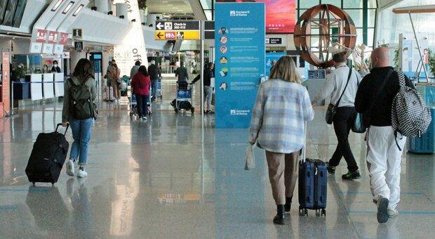 Vacanze, le regole su spostamenti tamponi e quarantena per i viaggi all'estero (in attesa del green passe vaccinale)