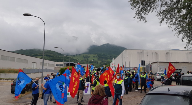 Non si ferma la battaglia dei lavoratori di Elica: 4 ore di sciopero e manifestazione. Ecco tutti gli scenari