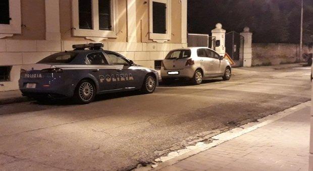 La polizia nella zona del dramma