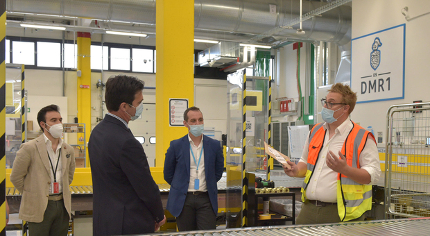 L'inaugurazione dello stabilimento Amazon con il presidente Francesco Acquaroli