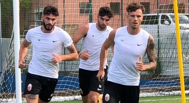 Fabbrini, D Agostino e Buchel durante un allenamento dell'Ascoli nel ritiro di Cascia