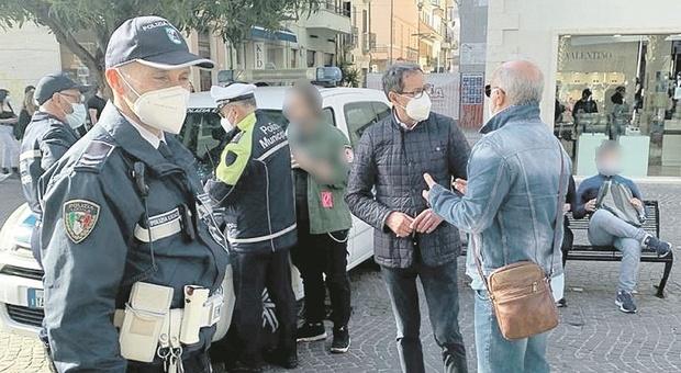 San Benedetto, Mmvida al setaccio tra ubriachi e multe. Anche il sindaco in ronda, ragazzino manda all'ospedale due poliziotti