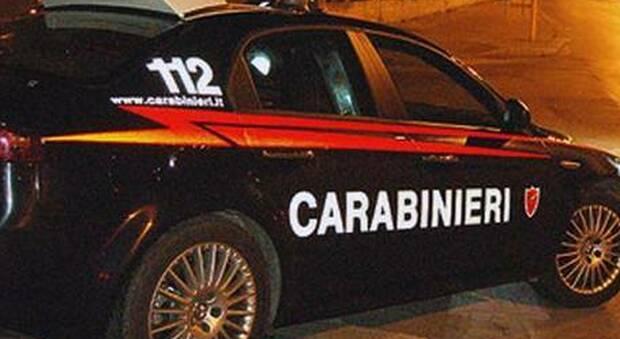 La lite tra amici 50enni finisce con uno dei due all'ospedale: i carabinieri denunciano l'altro