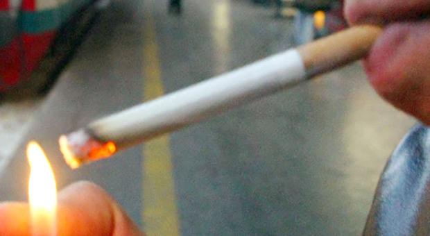 San Benedetto, movida molesta: ubriaco chiede una sigaretta ai poliziotti e rimedia una multa. Tre locali a rischio cartellino rosso