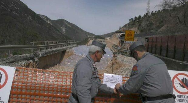 La zona del viadotto Mariani, dove sono emersi fusti di cromo