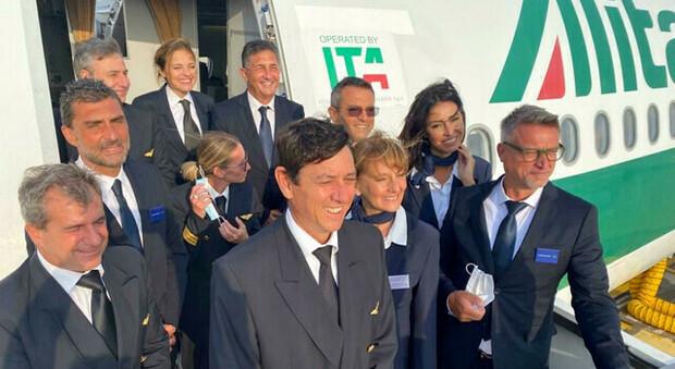 Ita, 6.000 candidati per i 2.800 posti, metà targati Alitalia. Entro settembre la gara per il marchio