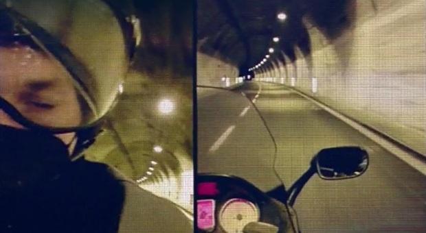 """Sanremo 2021, a Radio Montecarlo Franco, il motociclista che ha """"salvato"""" Ibrahimovich: «Voleva guidare lui, ho detto no»"""