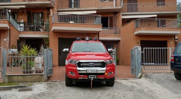 Incendio e danni ad un'abitazione, il corto circuito fu provocato: amministratore e tre operai denunciati