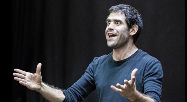 L'attore urbinate Matthias Martelli
