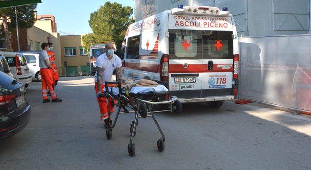 San benedetto, la donna positiva al Covid si è fatta visitare all'ospedale: tamponi di massa per sanitari e gestanti