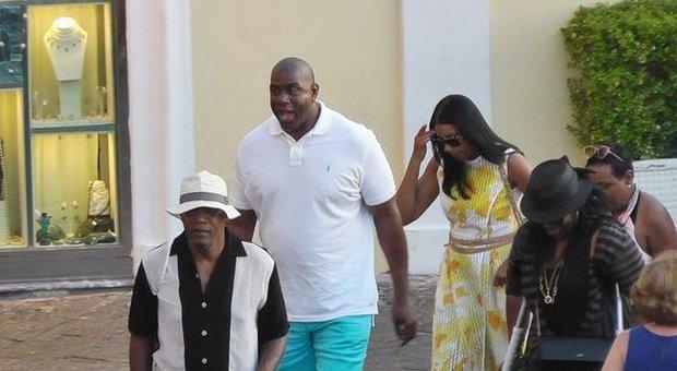 Magic Johnson e Samuel L. Jackson a Capri in mezzo a fan e paparazzi