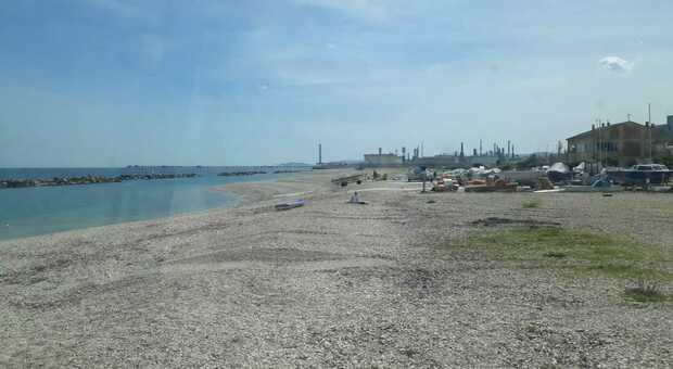 La spiaggia si prepara all'estate 2021, incontro tra amministrazione e operatori