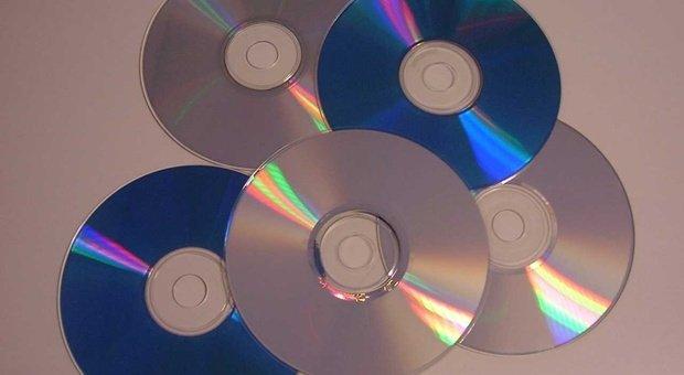 Eredità digitale, c'è EMortal: come trasportare foto, video e testi dai dispositivi obsoleti