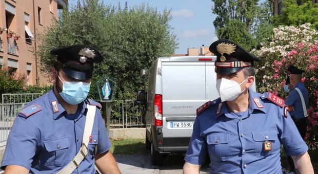 Pesaro, lavoro nero e norme anti Covi violate: chiuse cinque aziende. Scattano i controlli su, ristoranti e alberghi