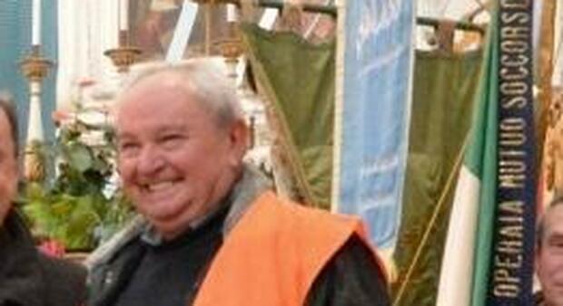 In lacrime per Enzo Taruchi: era l anima dell Auser, morto con il Covid a 67 anni