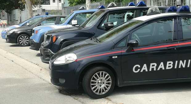Irruzione dei carabinieri nel covo dei ladri: scatta la denuncia per un clandestino
