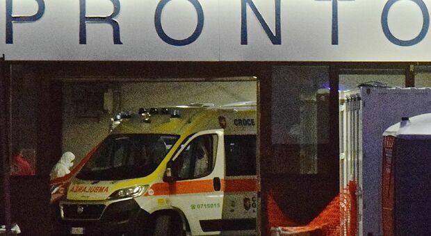Investito da un autobus davanti alla Coop: uomo portato in codice rosso al pronto soccorso