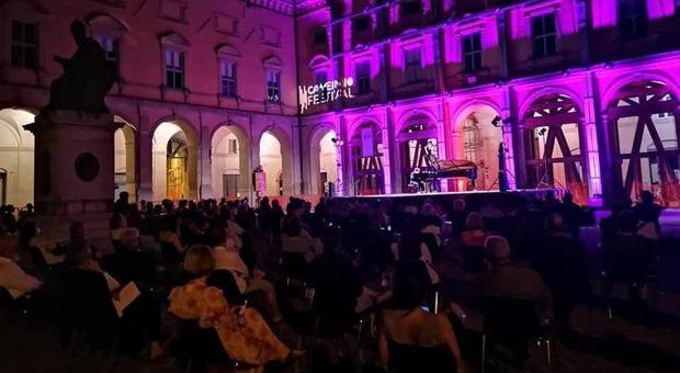 Entusiasmo, idee e colori: l'estate del rilancio di Camerino tra musica, storia e itinerari verdi