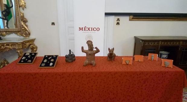 Blitz dei carabinieri al mercatino dell antiquariato: sequestrati reperti precolombiani. Denunciato un espositore romano