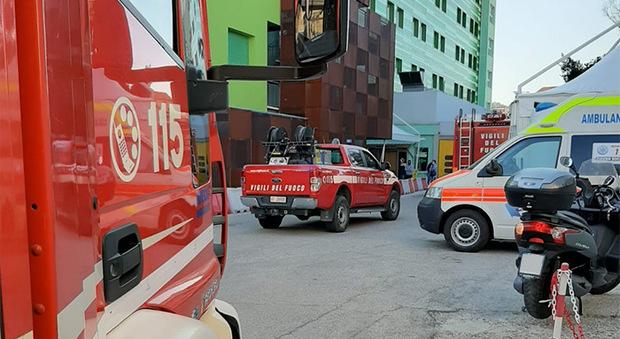 I vigili del fuoco all'ospedale