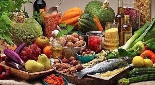 Sfide quotidiane per ridurre il proprio impatto ambientale: dalla dieta quasi vegana alla raccolta della spazzatura