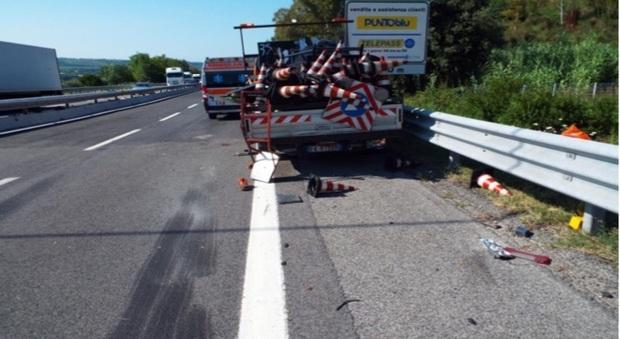 Trecastelli, travolto e ucciso mentre lavora sull'A14: il camionista patteggia ma l'assicurazione non paga