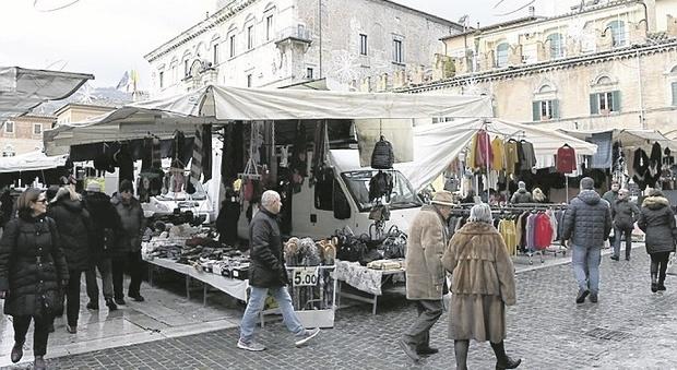 Ascoli, l'emergenza Covid spegne le feste: Natale e Capodanno senza il botto