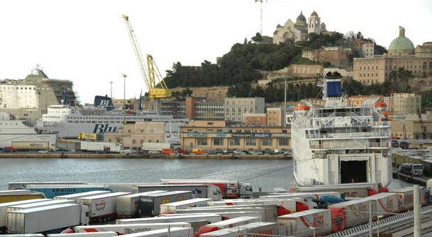 Il porto ha il nuovo presidente, Africano al posto di Giampieri. Accordo tra Governo, Marche e Abruzzo. Chi è l'ingegnere in arrivo