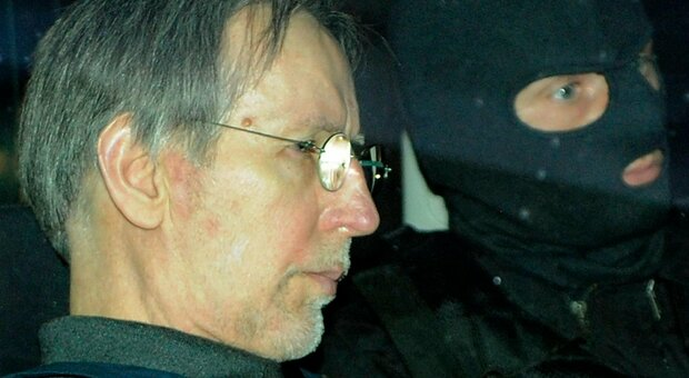 Fourniret, morto l'Orco delle Ardenne: pedofilo e serial killer, uccise almeno sette ragazze