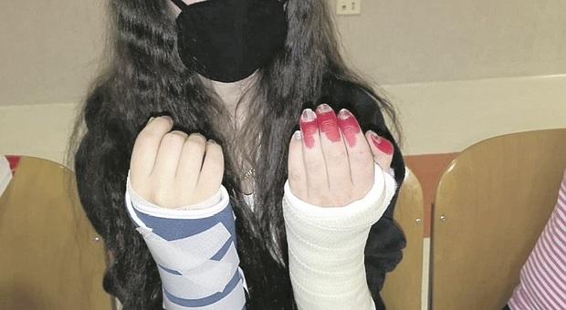 Ancona, nel mirino della baby gang: «Mia figlia barricata in casa, ha il terrore di incontrarli»