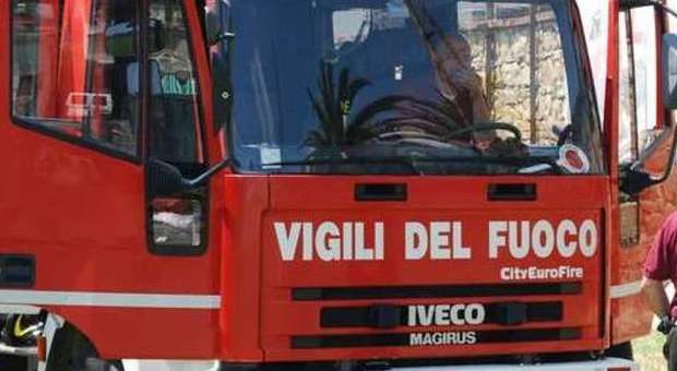 Montecchio, incendio in un'abitazione Vigili del fuoco mettono in salvo disabile