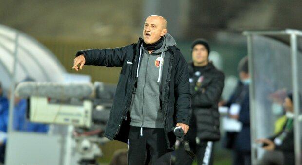 Il nuovo tecnico Delio Rossi durante Ascoli-Pescara finita 0-2