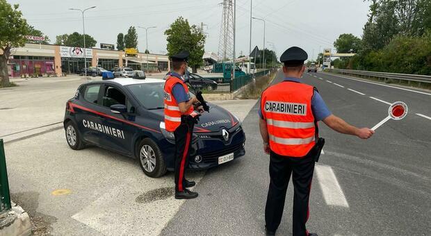 I carabinieri di Falconara impegnati in un controllo