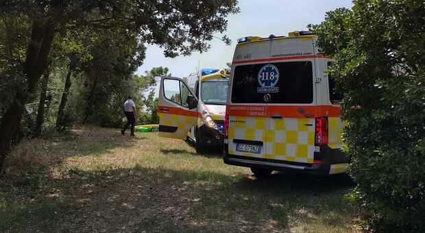 I soccorritori a Duna Verde mentre cercano di salvare padre e figlio