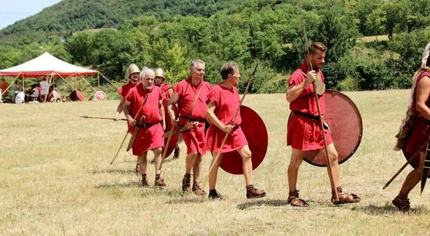 I volontari in costume da legionario